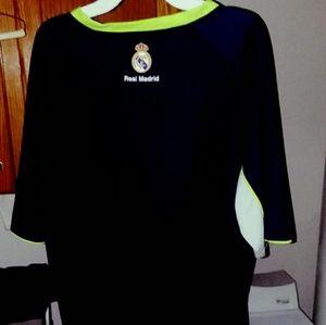 new york 31437 94b41 Real Madrid Training Jersey Size Large